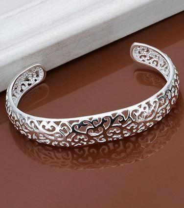 Interlocking Hearts Silver Cuff Bracelet! So Pretty! Love the Hearts Pattern Design! Charming Openwork Pattern Bracelet For Women