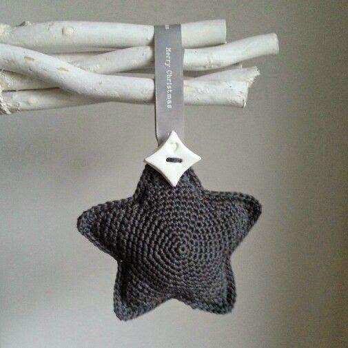 Crochet Simple Star - Chart ❥ ༺✿ƬⱤღ http://www.pinterest.com/teretegui/✿༻