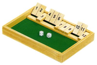 Cierra la caja (Shut de box) es un juego clásico muy entretenido con el que se trabaja el cálculo mental. Yo he encontrado diferentes normas para jugar, supongo que dependerá de con quién juegues, de la zona o de las reglas que vengan con el...