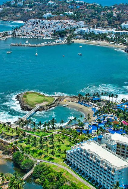Manzanillo,Mexico. Have you been there? Would you go there? I'v been there and its beautiful but VERY hot!