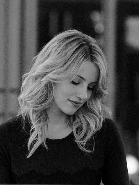 Dianna Argon is one of my favourite actress. She is so talented and beautiful and she has such a beautiful voice.