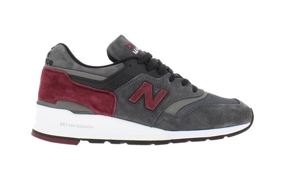 """New Balance 997 """"Made in USA"""" <a href=""""5.aspx?ProdID=f088151c-dea6-42db-8f54-f2b2db7280d0&CatID=f038f123-a7fc-493a-8e58-c1d619e2cd84&sr=0&page=1"""">Commander</a>"""