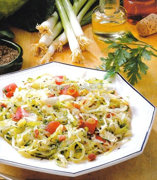 Fehérkáposzta-saláta szalonnával | Receptek