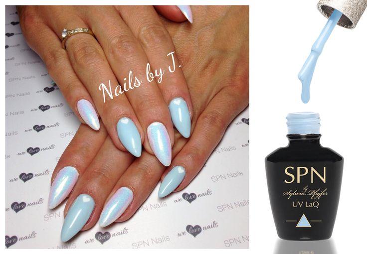 Połączenie lakieru hybrydowego UV LaQ 610 Pastel Blue oraz syrenki to zdecydowanie jeden z hitów tego lata :) Nails by Julia Bartosz, SPN Team