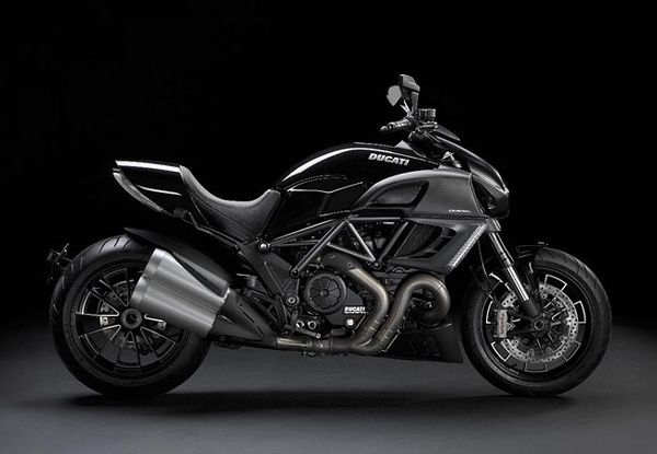 2011 Ducati Diavel - I want this bike.