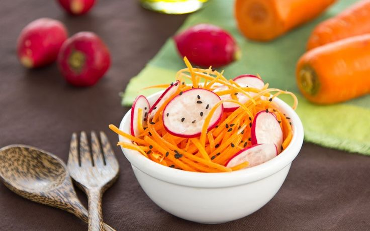 Crunchy salad with miso and ginger dressing recipe