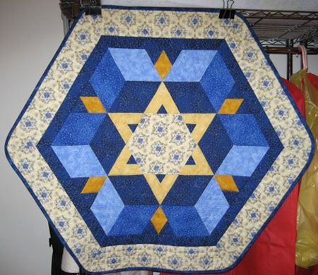 19 Best images about Judaic on Pinterest Hanukkah crafts, Quilt and Wall hangings