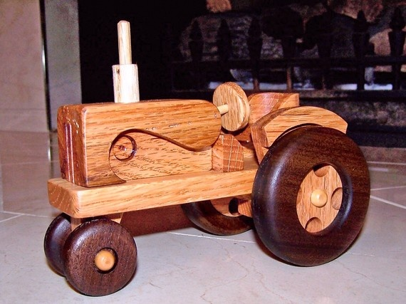 Wooden Tractor Plans : Wooden toy fort plans woodworking projects