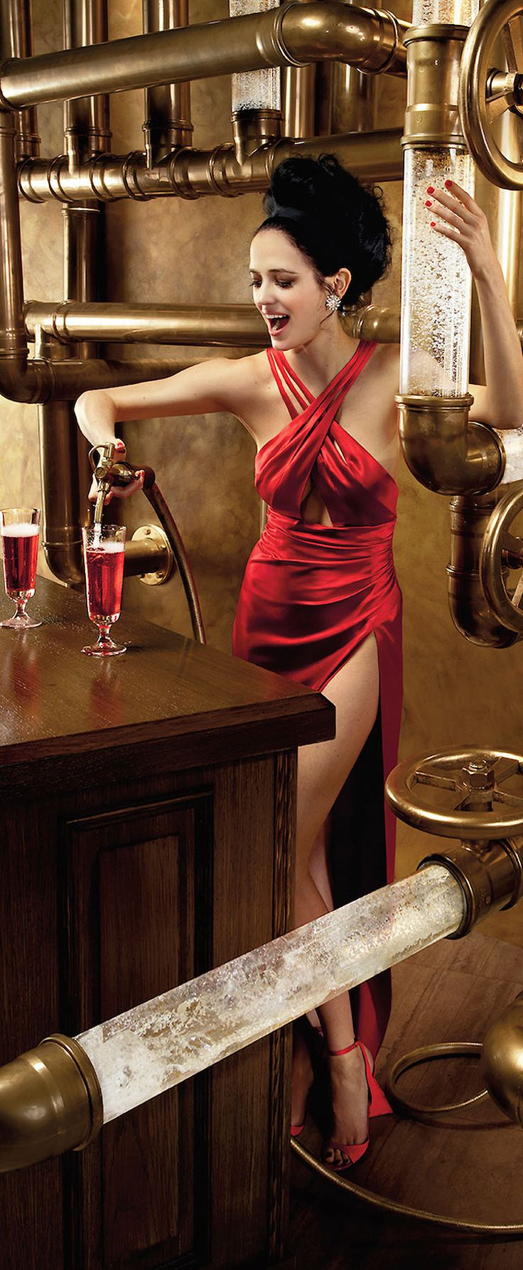 Someone's ready for a Happy New Year! via the Eva Green-Campari Calendar 2015