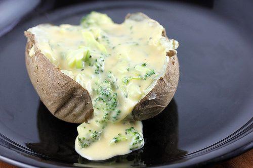 BAKED POTATO WITH BROCCOLI CHEESE SAUCEReally nice recipes.  Mein Blog: Alles rund um die Themen Genuss & Geschmack  Kochen Backen Braten Vorspeisen Hauptgerichte und Desserts # Hashtag