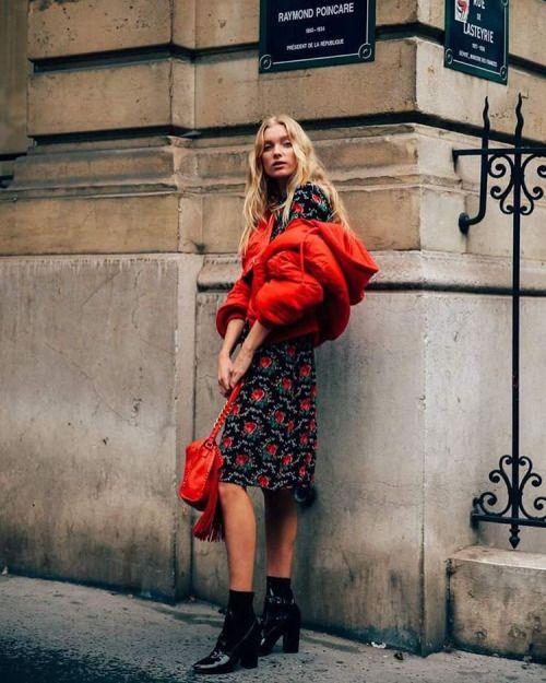 With Elsa @hoskelsa in Paris #elsahosk #streetstyle #modelsjam...