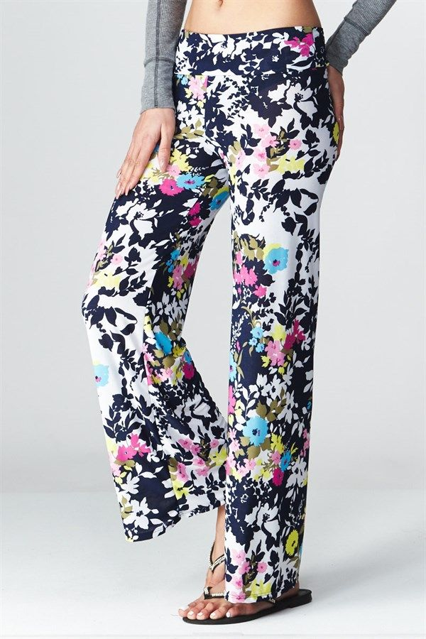 Get ready to WOW in effortless style with our bright and fun Floral Palazzo Pants! These stretchy and comfy pants will last you through the spring and summer months in style! Best part, Made in USA! Model is wearing size small96% Polyester and 4% SpandexMade in USA SIZES Small (0-4)Medium (6-8)Large (10-12)