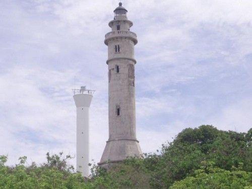 Maniguin Island lighthouse [1906 - Maniguin Island, Panay, Visayas, Philippines]
