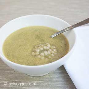 Heerlijk gezonde vegan broccoli soep met parel couscous