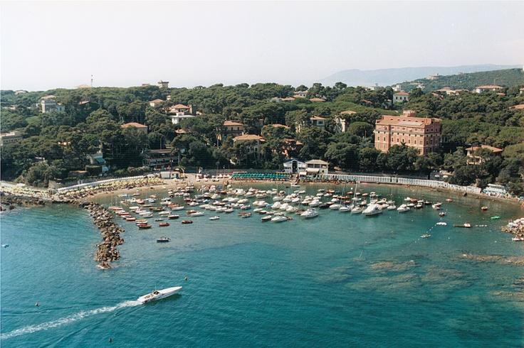 aerial view of Miramare's Hotel  http://www.albergo-miramare.it