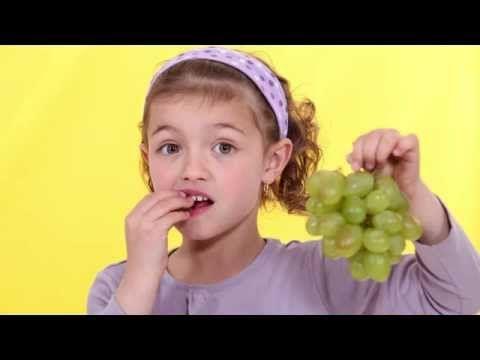 ¿Por qué comemos uvas en Nochevieja? - YouTube