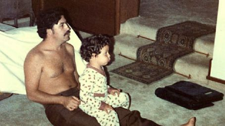 Pablo Escobar and Sebastian Marroquin in the scene of Sins of My Father.