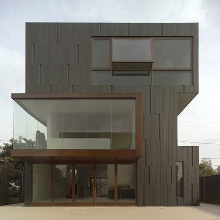 Mush Residence, a home incorporating an artists' studio and exhibition space, Located in west Los Angeles, California. Designed by Los Angeles office Studio 0.10 Architects.