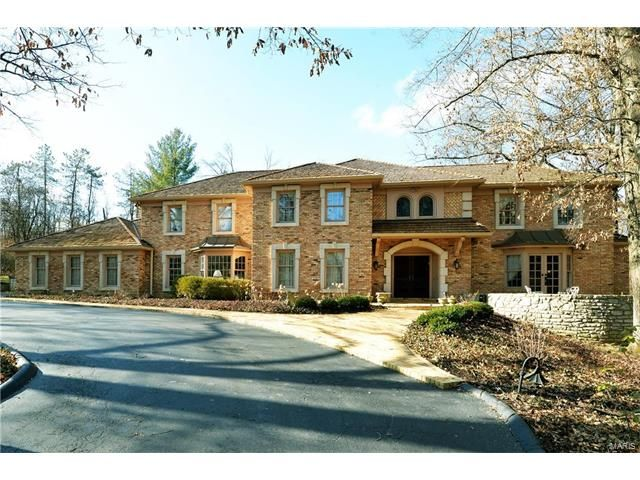 New Sale Listing: 35 Somerset Downs, Ladue 63124