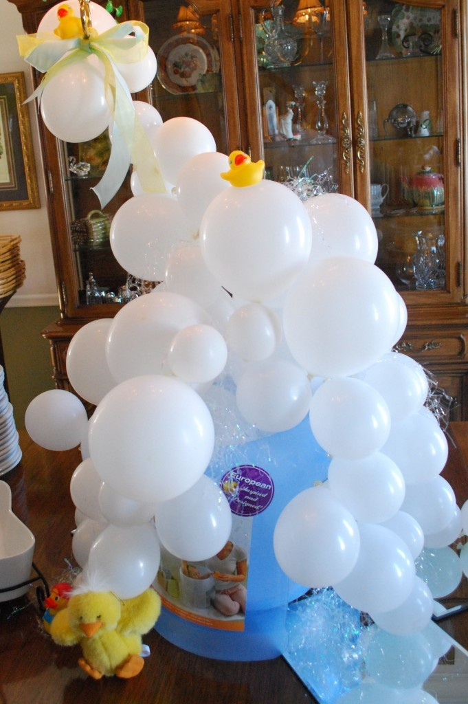 Rubber ducky bridal shower party decor more for Balloon baby shower decoration