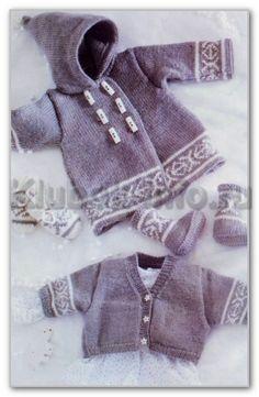 Вязание спицами. Комплект с норвежским узором для мальчика 6 месяцев (1; 1,5; 2 года): двубортный жакет с капюшоном, короткий жакет, варежки и пинетки