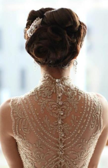 Lovely vintage up-do. Pretty dress too...: Lace Wedding Gowns, Dresses Wedding, Wedding Dressses, Lace Wedding Dresses, Vintage Wedding, Idea, Lace Back, The Dresses, Back Details