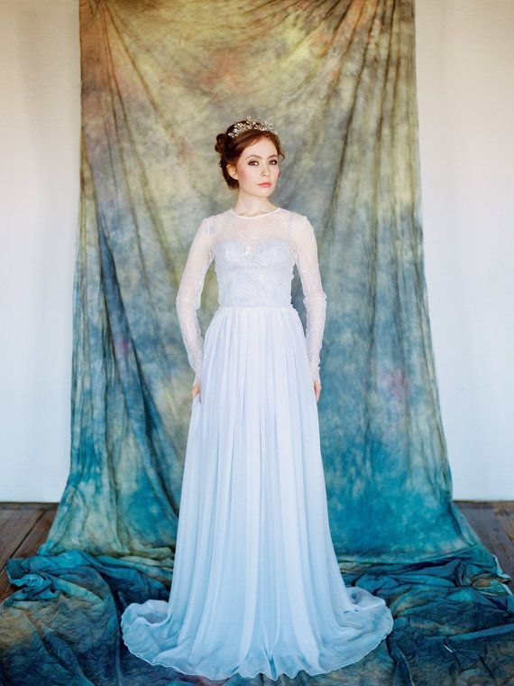 Pegasus // Grey wedding dress Chantilly lace by Milamirabridal