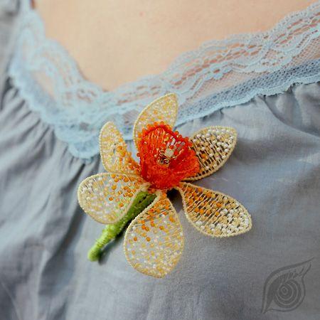 3D brooch; technique: nycrame; by Nady; photo by Monika Hulova