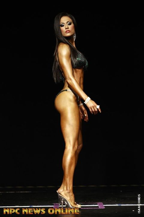 How to Train for a Bikini Competition: It's All About Glutes! | Bret Contreras