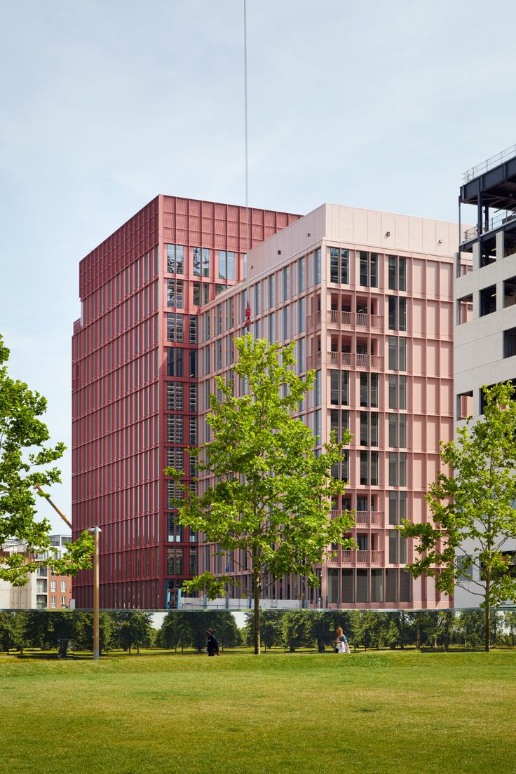Duggan Morris builds office with millennial-pink exterior in King's Cross