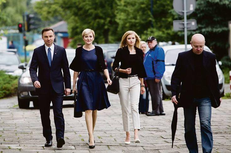 Andrzej Duda z żoną i córką ( President Andrzej Duda with First Lady and their daughter:)