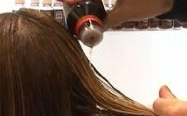 Scopri il trattamento per capelli alla cheratina: Benefici e Costi. Volete risanare i vostri capelli che hanno subito trattamenti aggressivi utilizzo continuativo di p capelli prodotti di bellezza cheratina