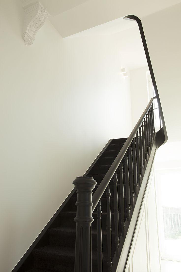 Totaalverbouwing van een herenwoning. Nieuwe vloeren, isolatie, domotica, haard, keuken, badkamer,dressing, schilderwerken,...