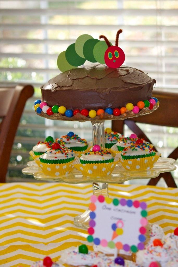 Die kleine Raupe Nimmersatt cake and cupcakes
