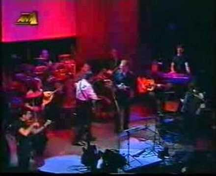 Dalaras - Mia vradia sto Leverkouzen (live) - YouTube