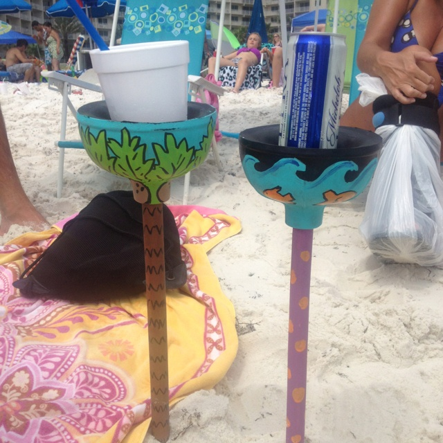 Painted Plungers For Drink Holders At The Beach Lol Places To Go