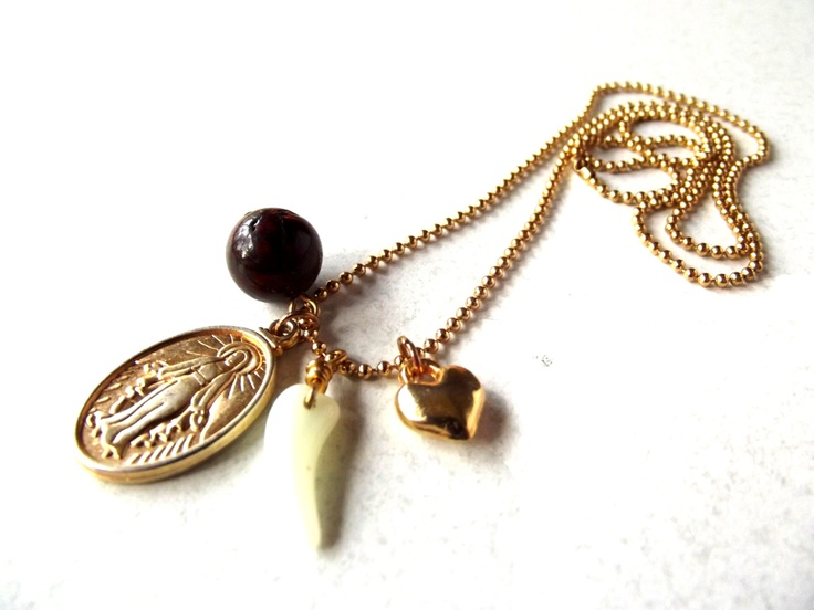 Bohemian Treasures: Pilgrim Gold €14,95 via Etsy