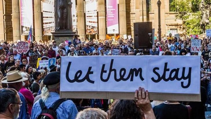 by Julian Burnside | Jul 7, 2016 | Asylum Seekers, Human Rights | 2 comments I have received several reports in the past few days which show just how bad things are getting in our ONSHORE detention… https://winstonclose.me/2016/07/16/conditions-in-immigration-detention-deteriorating-by-julian-burnside/