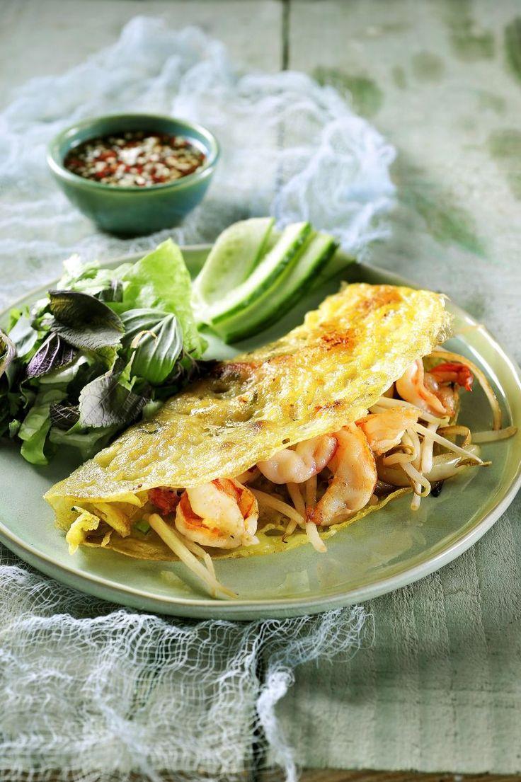 Bành Xèo, Vietnamese gebakken pannenkoek http://www.njam.tv/be/nl/recepten/banh-xeo-vietnamese-gebakken-pannenkoek