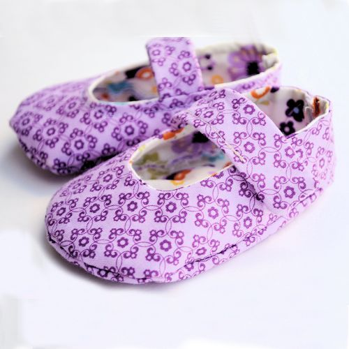 Crazy Little Projects: Baby Shoes Pattern