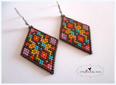 Diamond Shaped Earrings (brick stitch)