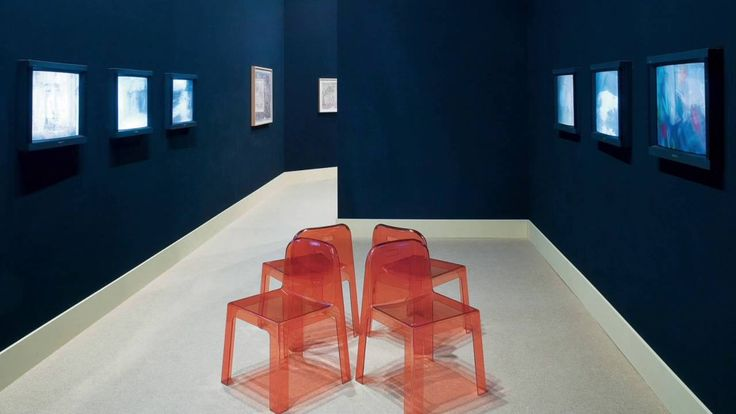 A chair, an armchair or a real throne? This is #Trono, designed by Ettore #Sottsass for Segis. All the details on: http://bit.ly/Segis-Trono