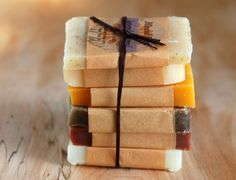 3 receitas simples de sabonetes artesanais à base de ervas