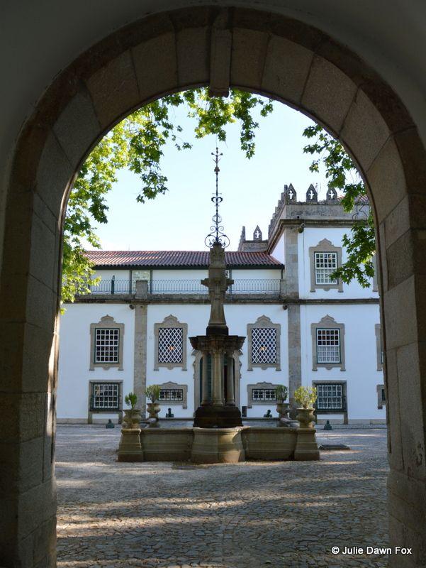 Courtyard, Casa da Insua