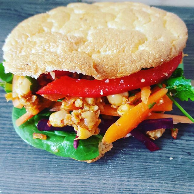 Here was the finished (thin and flakey version!) cloud bread sandwich that I had for lunch with curried chickpeas and a rainbow salad  All this veggie food is tempting me to turn back to being a vegetarian! #cloudbread #cloudsandwich #healthyeating #eattherainbow #vegetarian #lunch #eatclean #cleaneating #curriedchickpeas