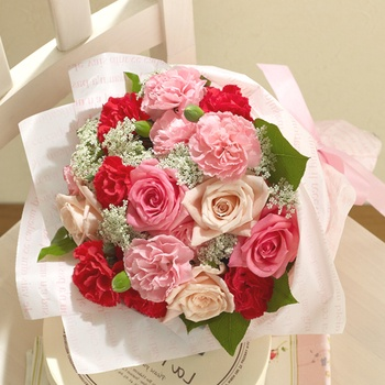 Bouquet for mother バラとカーネーションの花束
