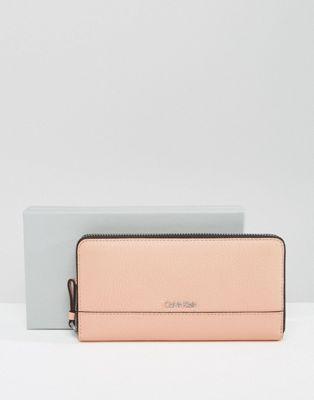 Calvin Klein - Portafoglio grande di pelle con zip