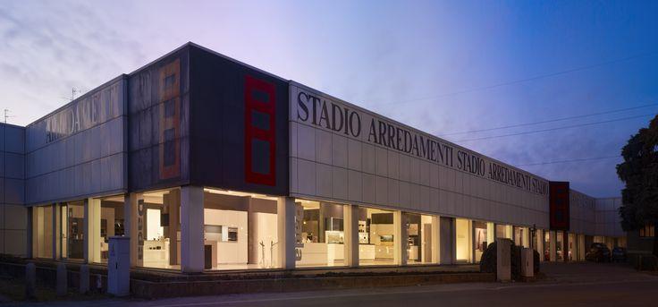 Seregno , via Milano 62 - Arredamenti Stadio -