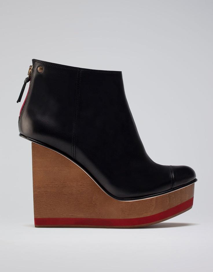 Bershka France - Chaussures Bershka compensées bois cuir Automne-Hiver 2012