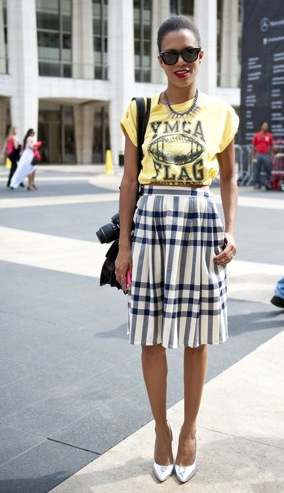 Love this street style look // Vintage shirt, plaid skirt, necklace
